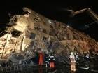 Dos edificios colapsaron tras el terremoto en Taiwán.