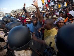 Martelly busca solución a crisis