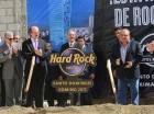 El presidente Danilo Medina y ejecutivos del Hard Rock dan picazo para dejar iniciados trabajos de construcción de nuevo hotel en al Lincoln.