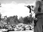Un momento del ametrallamiento de estudiantes frente al Palacio.