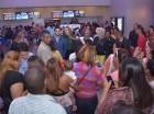 """El público sigue asistiendo a los cines para ver la película """"Mi Suegra y Yo"""", que protagonizan Roberto Ángel, Charytín Goico y Hony Estrella."""