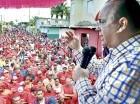 Antún habla en Bayaguana.