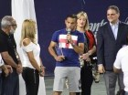 El tenista dominicano víctor Estrella al recibir un reconocimiento en el Santo Domingo Tennis Club (La Bocha).