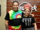 """El cantautor cubano Amaury Gutiérrez junto a la artista dominicana Diomary """"La Mala"""" durante un encuentro con la prensa de Santo Domingo. Cortesía: Elvys Joe"""