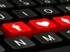 Muchas relaciones amorosas vía web han terminado en un chantaje, un soborno o un desagradable engaño; y en el peor de los casos, en un horrendo crimen.