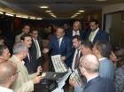 El presidente de la JCE, Roberto Rosario Márquez, explica a los delegados el funcionamiento de los equipos electrónicos.