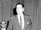 Embajador Joseph Farland.