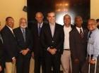 Luis Abinader se reunió ayer con varios sectores.