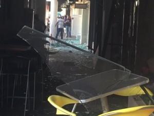 Tras la explosión de gas propano en la plaza Andalucía (imagen cortesía de @AnibelcaRosario)