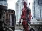 """Esta imagen, proveída por Twentieth Century Fox, muestra a Ryan Reyonlds en una escena de la película """"Deadpool""""."""
