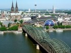 La ciudad fue construida alrededor del río Rhin,  lo que le da una expresión romántica bastante interesante.