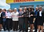 Ministra de Salud junto a otras autoridades durante una de las inauguraciones.