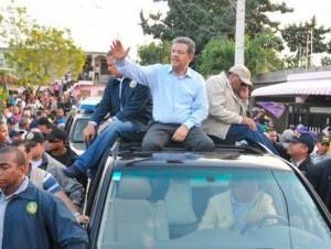 El expresidente Leonel Fernández se integró a la campaña el sábado 2 de abril .