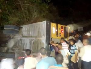 Autobús accidentado que llevaba pasajeros de hotel de Bávaro.