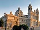 Madrid es una de las ciudades más grandes y cosmopolitas de Europa. La Puerta de Alcalá es un ícono turístico.