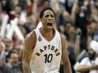 DeMar DeRozan (10) de los Raptors de Toronto celebra tras encestar un triple ante los Pacers de Indiana en los playoffs de la NBA el martes 26 de abril de 2016.