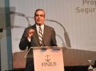 Luis Abinader expuso ante miembros de la sociedad civil.