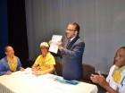 Guillermo Moreno tras firmar el compromiso con la vivienda de la plataforma Casa Ya
