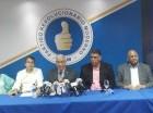 Dirigentes del PRM, en la rueda de prensa de ayer.