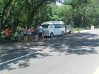 Turistas asistidos por el MOPC en Burende.