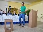 Los privados de libertad, Ingrid Mateo y Euclides de la Rosa, realizaron un simulacro de votación.