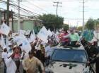 Roberto Salcedo durante una marcha caravana en la circunscripción uno del Distrito Nacional.
