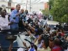 Luis Abinader durante caravana en Santo Domingo Oeste.