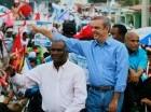 Luis Abinader recorrió barrios de Santo Domingo Oeste.