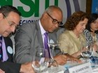 Durante la firma de la carta compromiso del Hospital Materno Dr. Reynaldo Almánzar (HMR