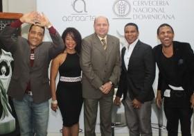 Miguel Céspedes, Cheddy García, Jorge Ramos C. (presidente de Acroarte), Raymond Pozo y Fausto Mata.