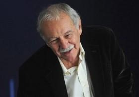 Escritor  Eduardo Mendoza