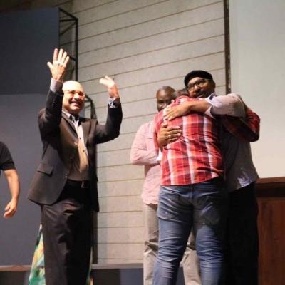 El joven Diego Rafael Ureña en el momento cuando fue declarado ganador de la beca Michel Camilo Scholarship Competition