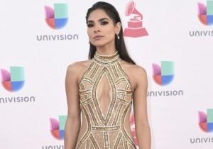 Alejandra Espinoza llega a la 17ma entrega anual de los Latin Grammy en Las Vegas, del 17 de noviembre de 2016.