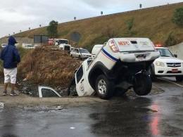 Otra camioneta cae en laguna de carretera Licey