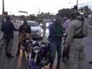 Agentes policiales y militares del Ejército Nacional realizan operativos.