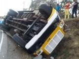 Decenas de personas heridas en accidente de tránsito en La Cuesta