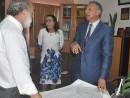 Peralta se reúne con contratistas y les pide terminar trabajos de remodelación del hospital infantil Arturo Grullón.