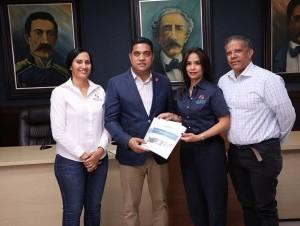 INTRANT entrega Plan Movilidad Urbana a La Vega.