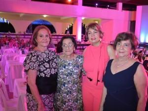 Clarissa Almánzar de García, Olga Cruz de González, Aurina de Hernández y Yanira Cabrera.