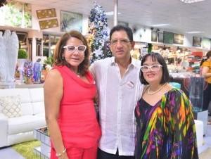 Doris Romero de Fernández, Leonardo Fernández y Amelia Fernández Romero